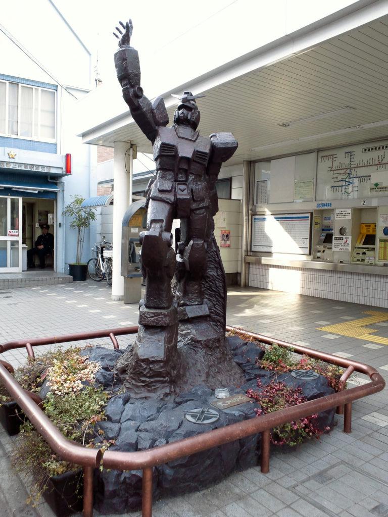 ガンダムの像