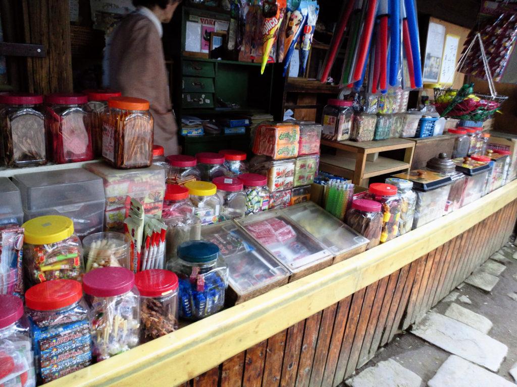 神社内の商店